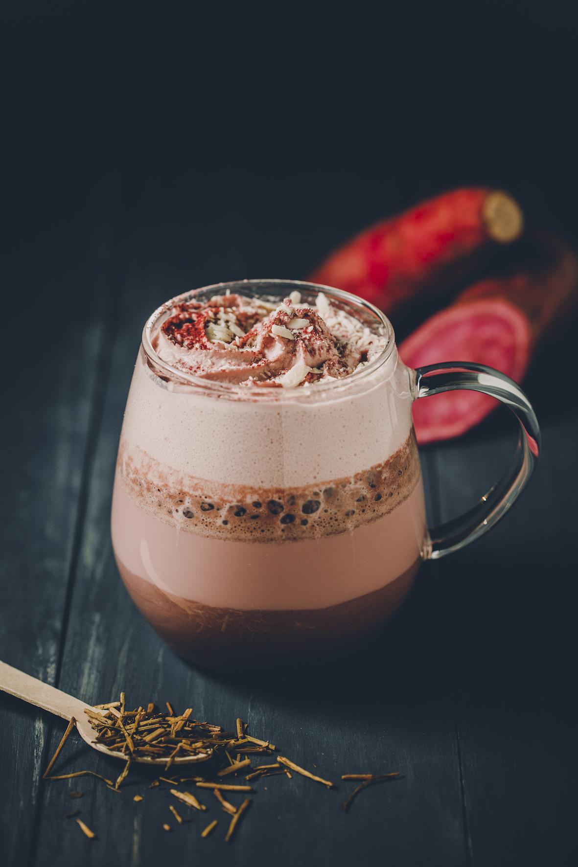 紫芋のほうじ茶黒糖ラテ
